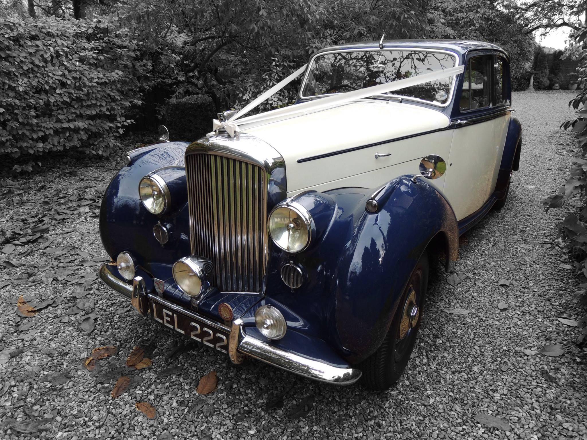 Wedding Car hire - chauffeur-driven wedding vehicles.