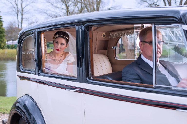 rolls-royce-1939-wraith-victoria-with-the-bride-and-chauffeur