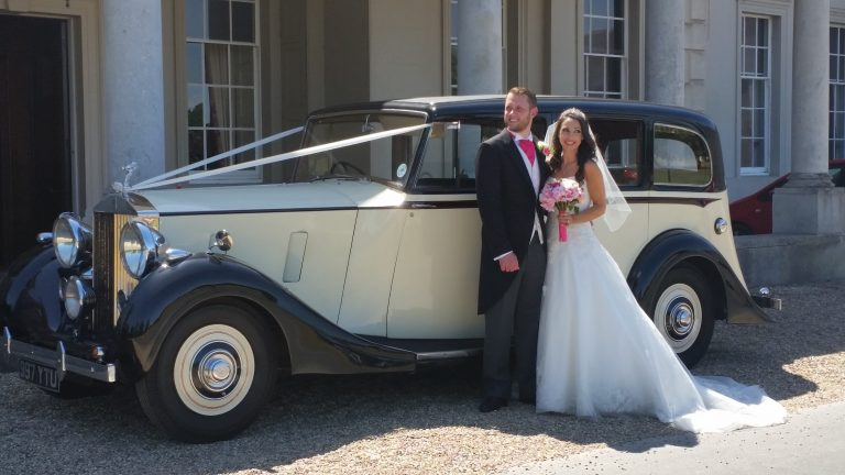 rolls-royce-1939-wraith-victoria-with-the-happy-couple-4