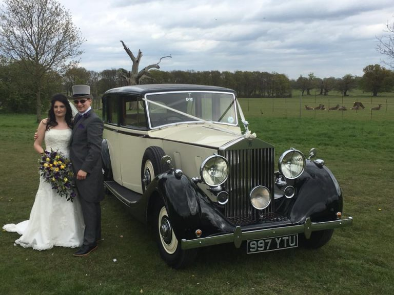 rolls-royce-1939-wraith-victoria-with-the-happy-couple