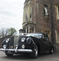 1962 Rolls Royce waiting for the bride - super stylish wedding vehicle
