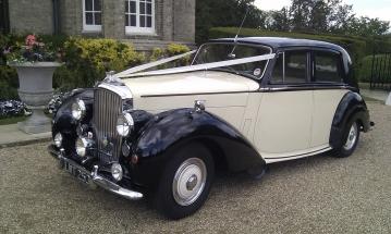 1952 Bentley Mark 6 ready for the wedding - ideally wedding car